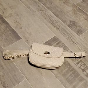 NWOT Quilted Ivory Faux Leather Waist Fann…